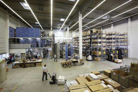 Primeiros sinais da retomada impulsionam concretização de grandes negócios no segmento de movimentação de materiais