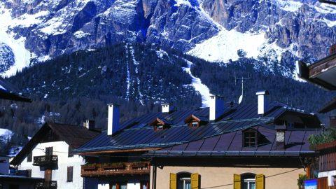 Estações de esqui são uma das principais atrações da Itália no inverno