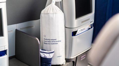 """Lufthansa amplia o conforto para um sono de qualidade na Business Class com nova """"Dream Collection"""""""