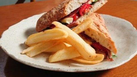 Restaurante no Mercado Municipal lança sanduíche de jamón na baguete francesa
