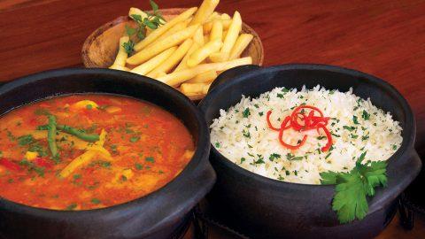 Restaurante Ravenala é boa pedida para almoço em Maresias na alta temporada