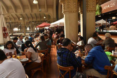 Almoço no Mercado Municipal de São Paulo é boa sugestão de programa para quem gosta de boa comida e um pouco de história de São Paulo