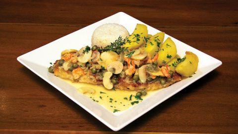 Restaurante Ravenala, em Maresias, abre para o jantar com três pacotes de jantares românticos