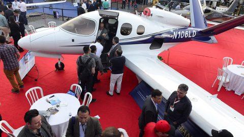 Segmento de aviação de negócios registra alta no volume de operações, mas ainda depende do crescimento econômico