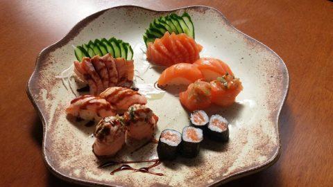 No mês de outubro, crianças saboreiam comida japonesa em versão kids no Mercado Municipal