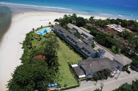 Beach Hotel Juquehy, em São Sebastião, ainda tem vagas para janeiro e oferece recreação para crianças com turma do SOS Ambiental