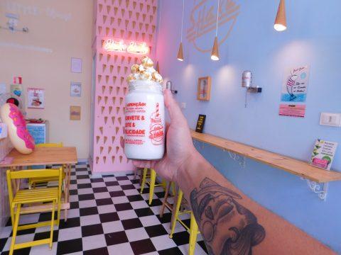 Shake Shake oferece milk-shakes adultos, preparados com bebida alcoólica