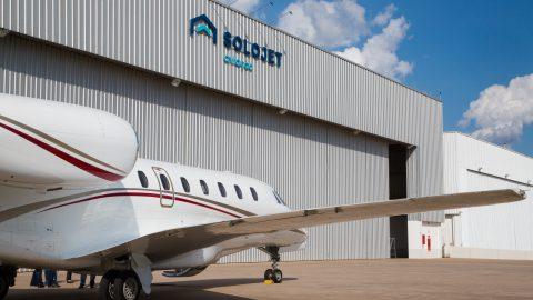 Solojet Aviação mantém equipe a postos para manutenções emergenciais no hangar de Jundiaí durante pandemia de coronavírus