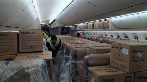 Kuehne + Nagel, em parceria com a LATAM Cargo, realizará o transporte de 240 milhões de máscaras faciais numa importante ação humanitária